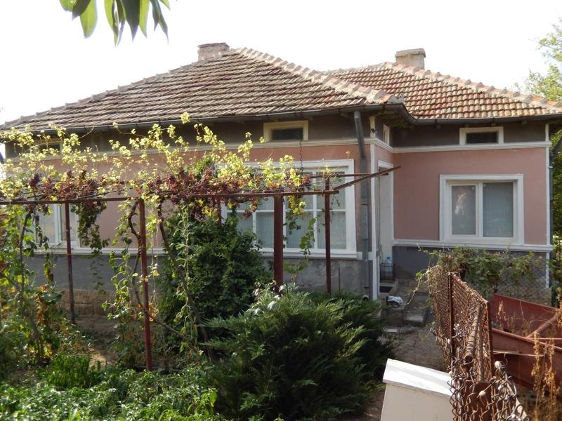 Renovated and furnished house in countryside