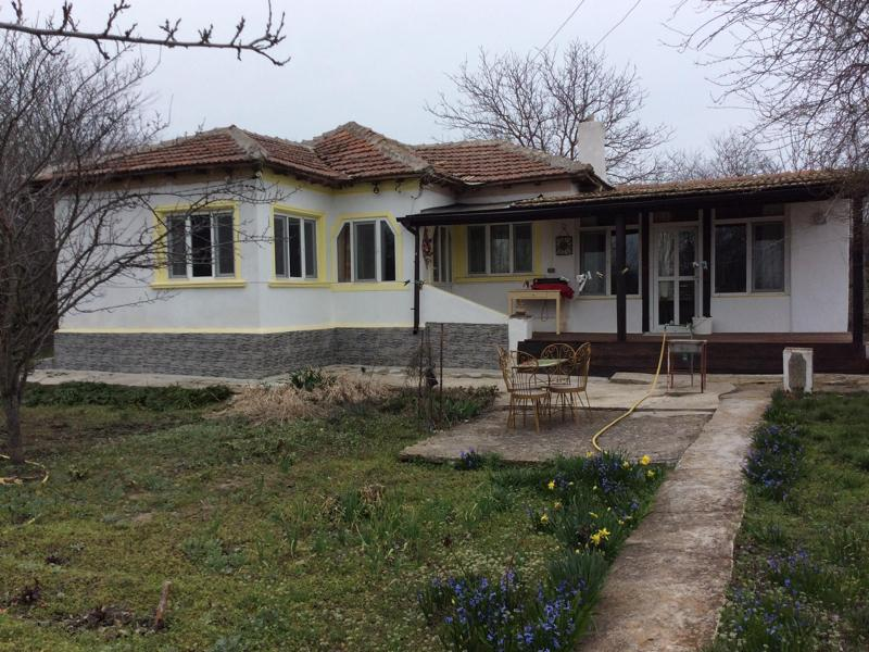 Renovated house 7 miles to the sea