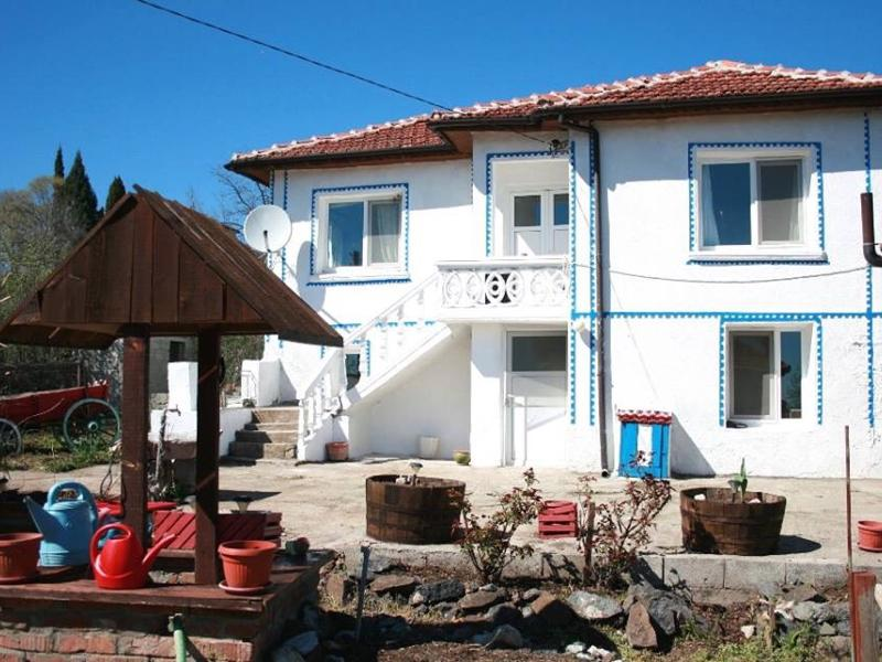 Reduced!!! Renovated and fully furnished house in a nice hilly area