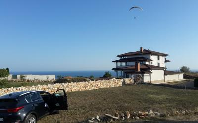Big plot with sea view next to the golf course