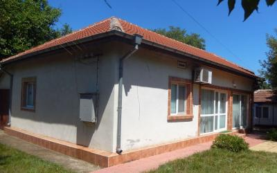 Renovated and furnished house 24 miles to the sea