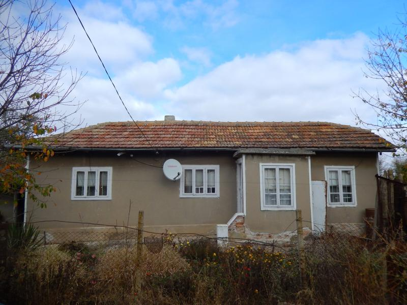 Cheap house in very good condition just 26 miles to the sea.