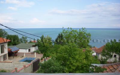 Huge villa with sea view next to Balchik