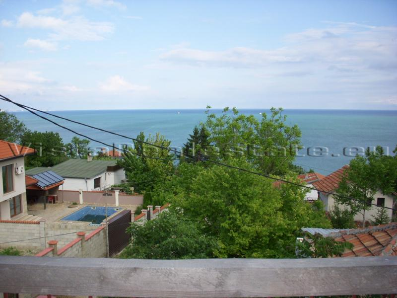 Huge villa with sea view next to Balchik