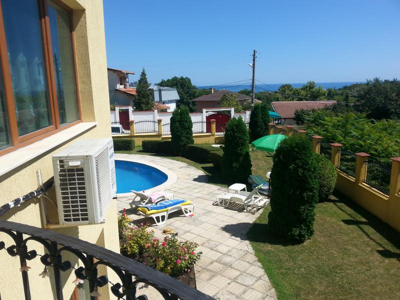 One bedroom apartment with sea view in Balchik