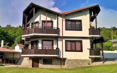 Huge house in a picturesque area, Veliko Tarnovo, Tsenovo