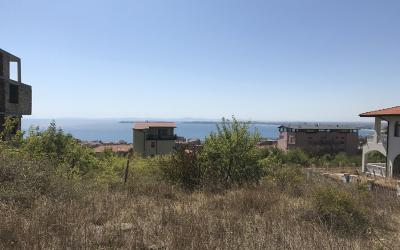 Plot with sea view in top location