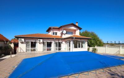 Großes Haus in Bulgarien, mit Pool, 5 km von Balchik