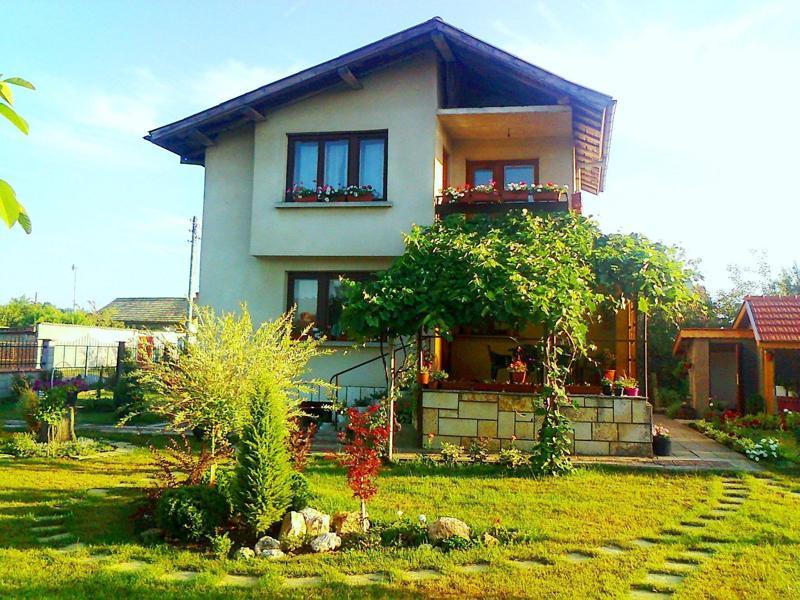 Ready to move in villa close to the sea