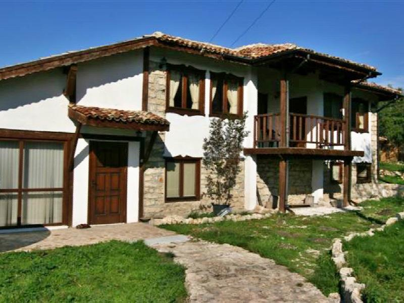 3 bedroom huge house near Varna