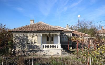 Haus zum Verkauf in Bulgarien nur 6 km von Kavarna und dem Meer