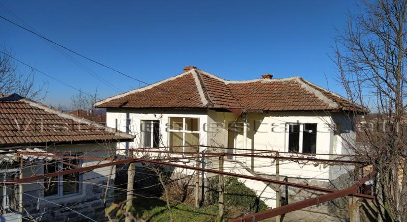 REDUCED!!! Renovated two bedrooms house for sale near Elhovo