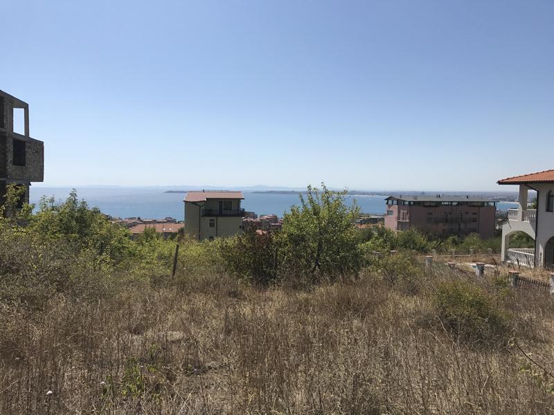 Grundstück mit Meerblick in Toplage