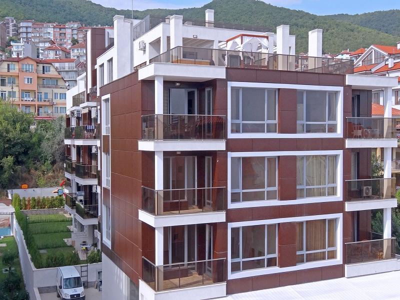 Dreizimmerwohnung in Sveti Vlas, Burgas, 100 m vom Strand