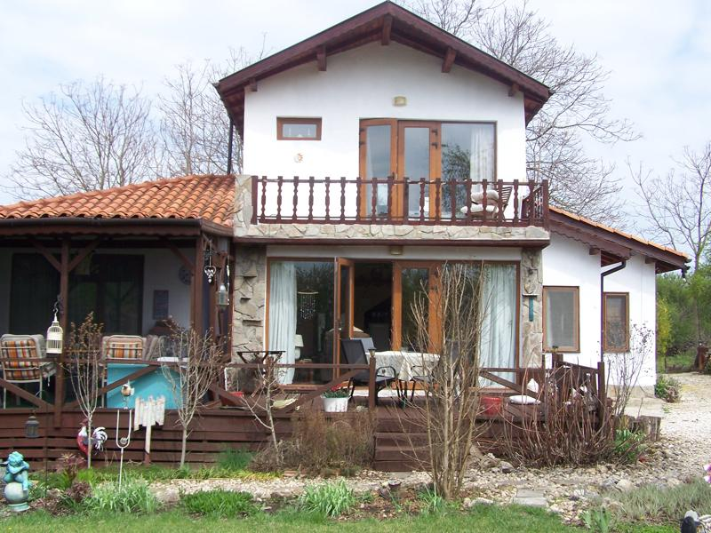Newly built two storey house 20 min to the sea