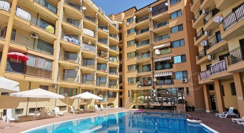 Large one bedroom apartment in Amadeus 5 complex close to the beach