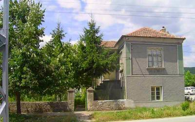 A Large House in a Very Good Condition near Provadia
