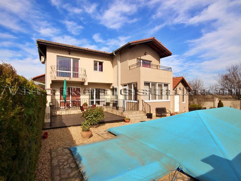 Riesiges Haus mit Pool am Meer und Balchik