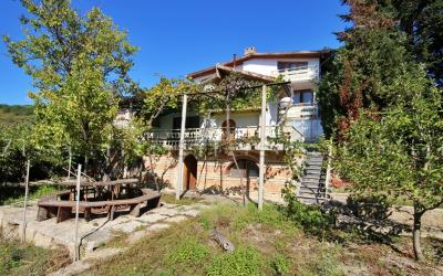 Huge 7 bedroom house with sea view in Balchik area