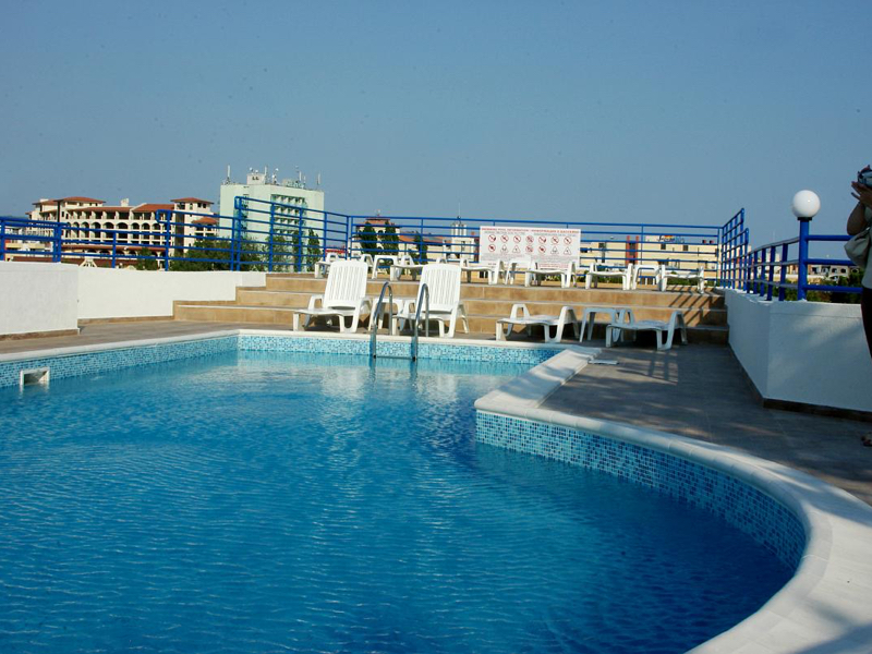 Furnished one-bedroom apartment just 300 meters to the beach