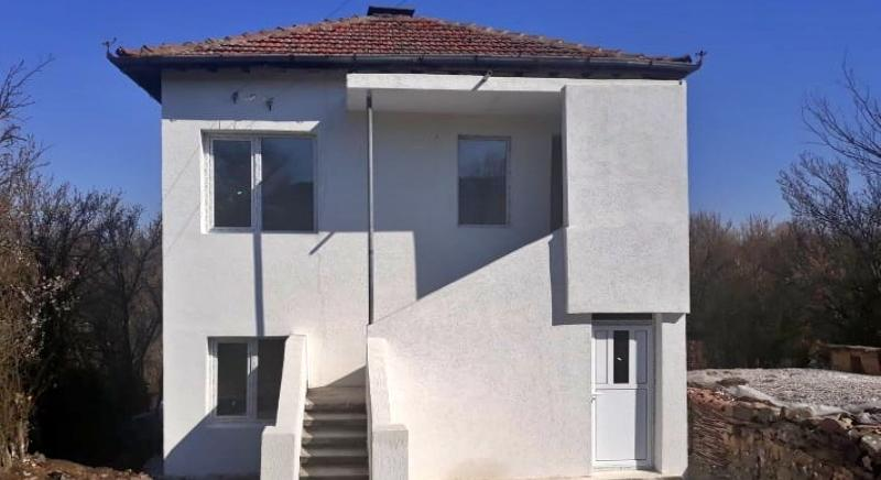 Renovated two-storey house with 2030 sq.m plot