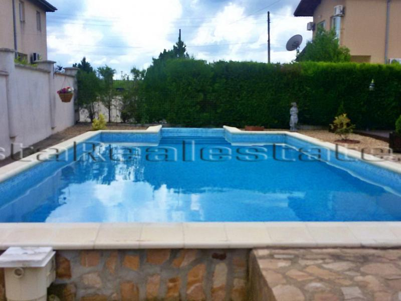 3 bedroom house with a pool near the sea and Balchik
