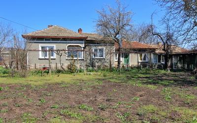 Großes Haus in der Nähe von Kavarna und dem Meer