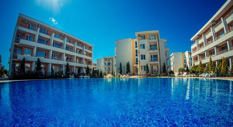 Furnished studio with pool view for sale in Nesebar Fort Club in Sunny Beach for 19 500 EUR