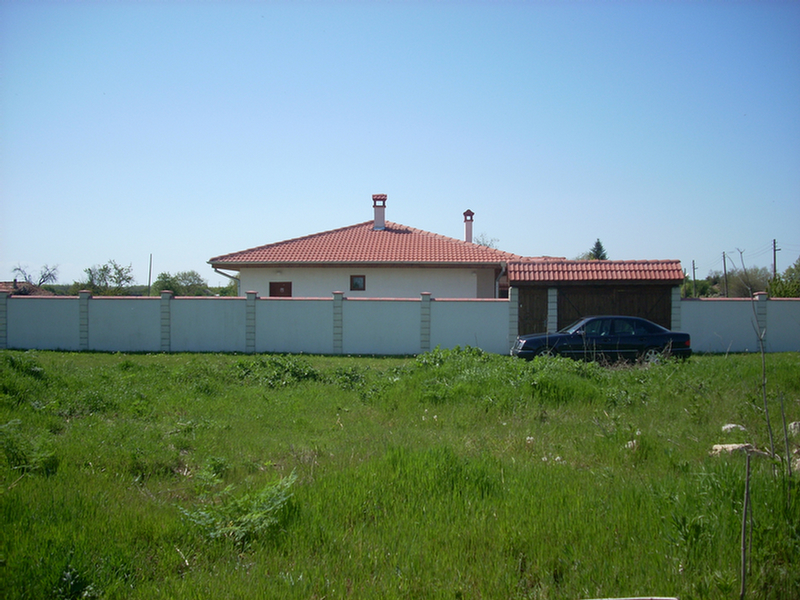 2 021 sq m plot 11 miles to Balchik and the sea