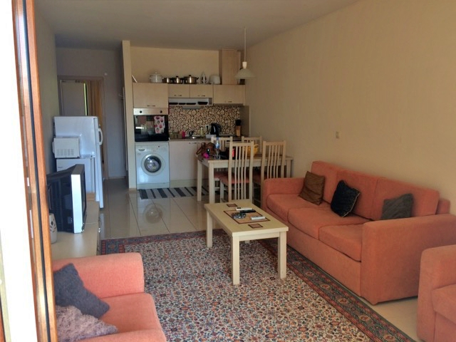 One bedroom apartment in hilly area 3 miles to the beach, Rogachevo
