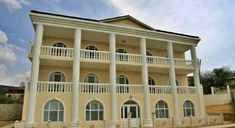 Riesiges Haus mit 12 Schlafzimmern am Stadtrand von Varna