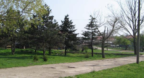 Grundstück mit einem Projekt in Sokolovo nur 7 km zum Meer