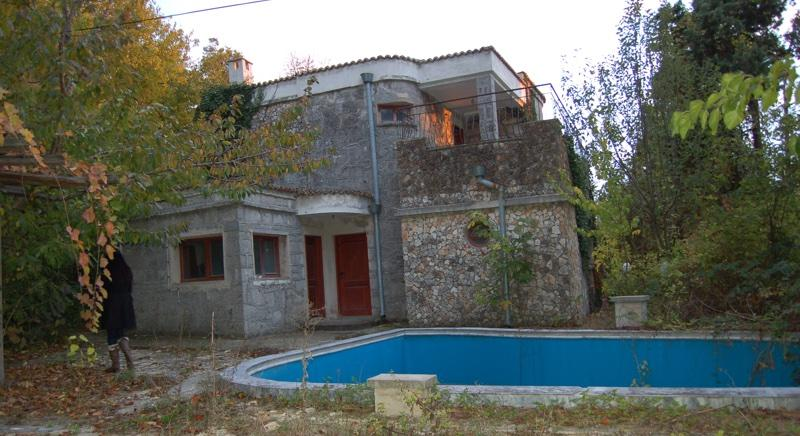Two-storey villa 200 m to the sea