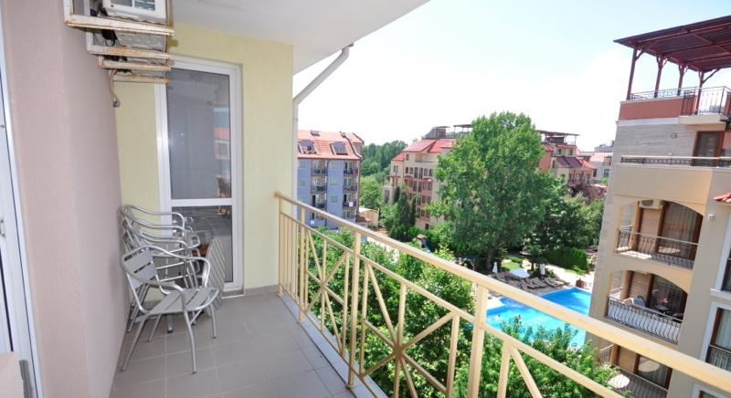Furnished one-bedroom apartment 500 meters from the beach
