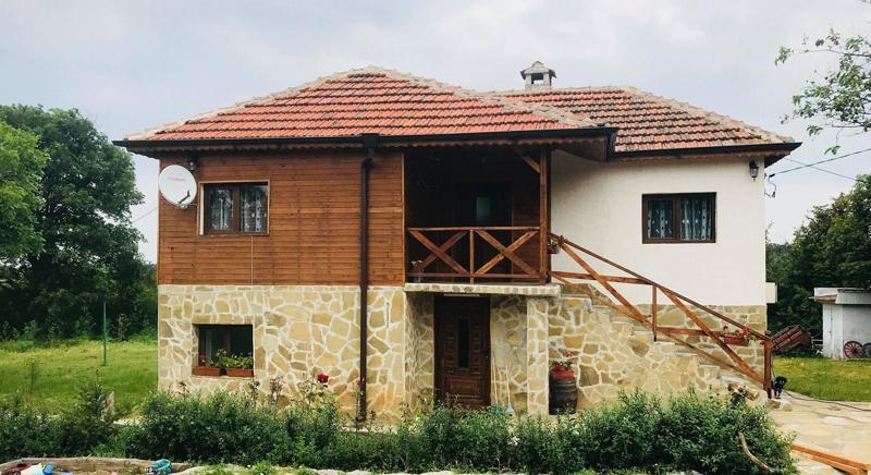 PROPERTY WORKING AS A GUESTHOUSE WITH 4 BEDROOMS