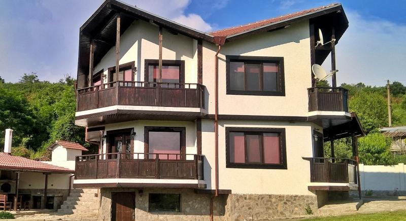 Riesiges Haus in einer malerischen Gegend, Veliko Tarnovo, Tsenovo