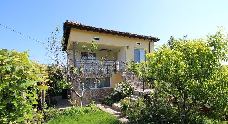 Nice house for sale in the outskirts of General Toshevo town
