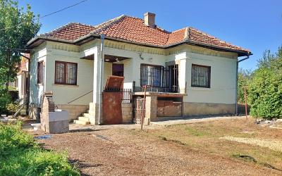 Ready to move in bungalow close to Varna