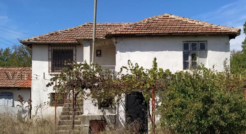 Schnäppchen!!! Teilrenoviertes Haus in einem kleinen Dorf