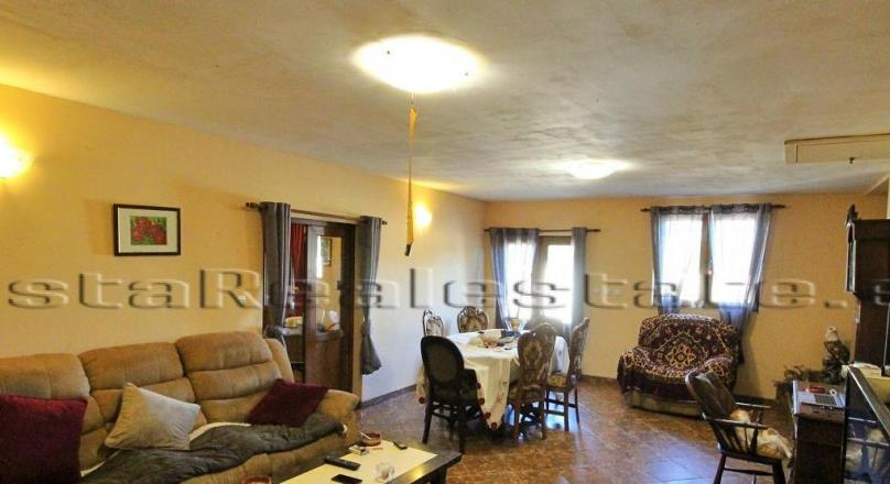 3 bedroom renovated house with swimming pool